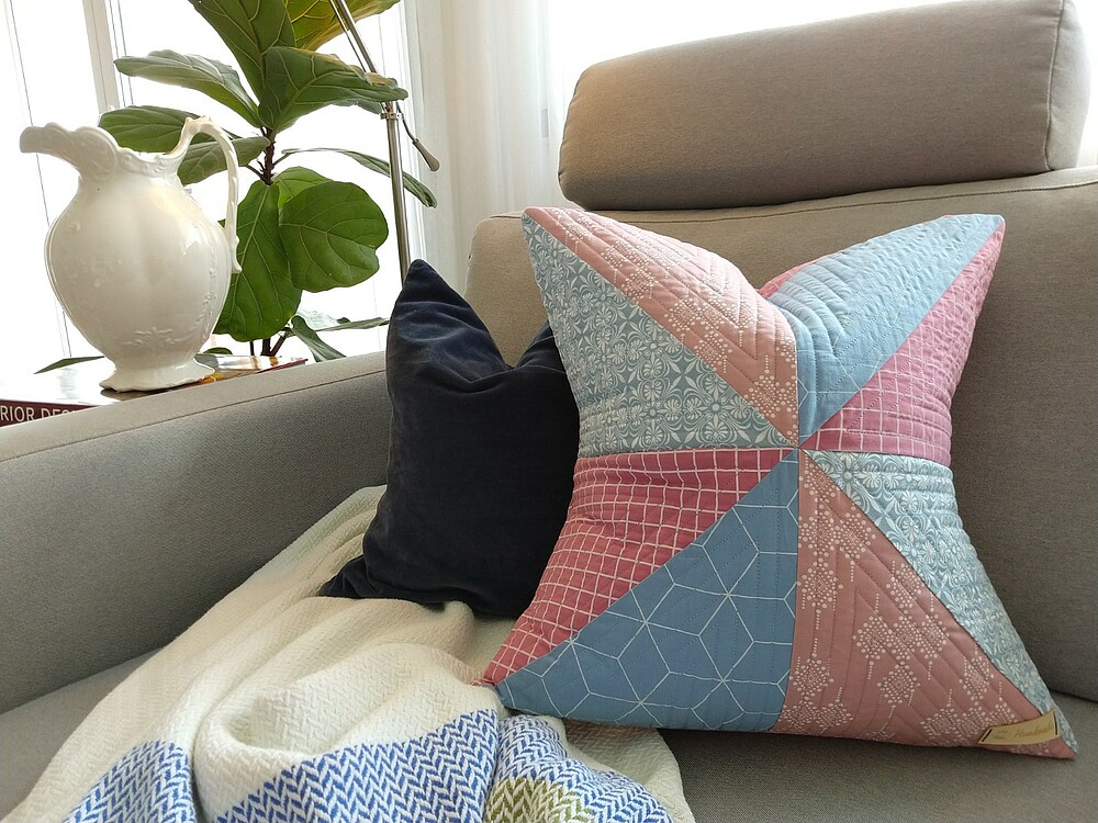 How to Make a Quilted Throw Pillow: Post 5: Sew the Pillow - Wunderlabel