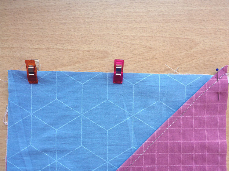 HOW TO MAKE A QUILTED THROW PILLOW: POST 3: SEWING THE FRONT